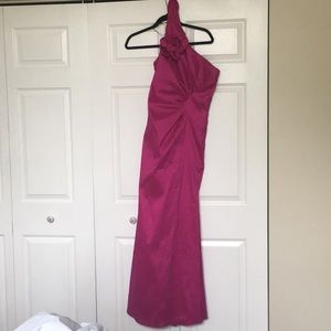 Beautiful magenta Jessica McClintock prom dress